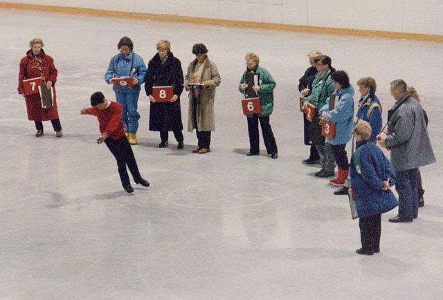 David Liu skates the last compulsory figure in the men's event at 1990 Worlds